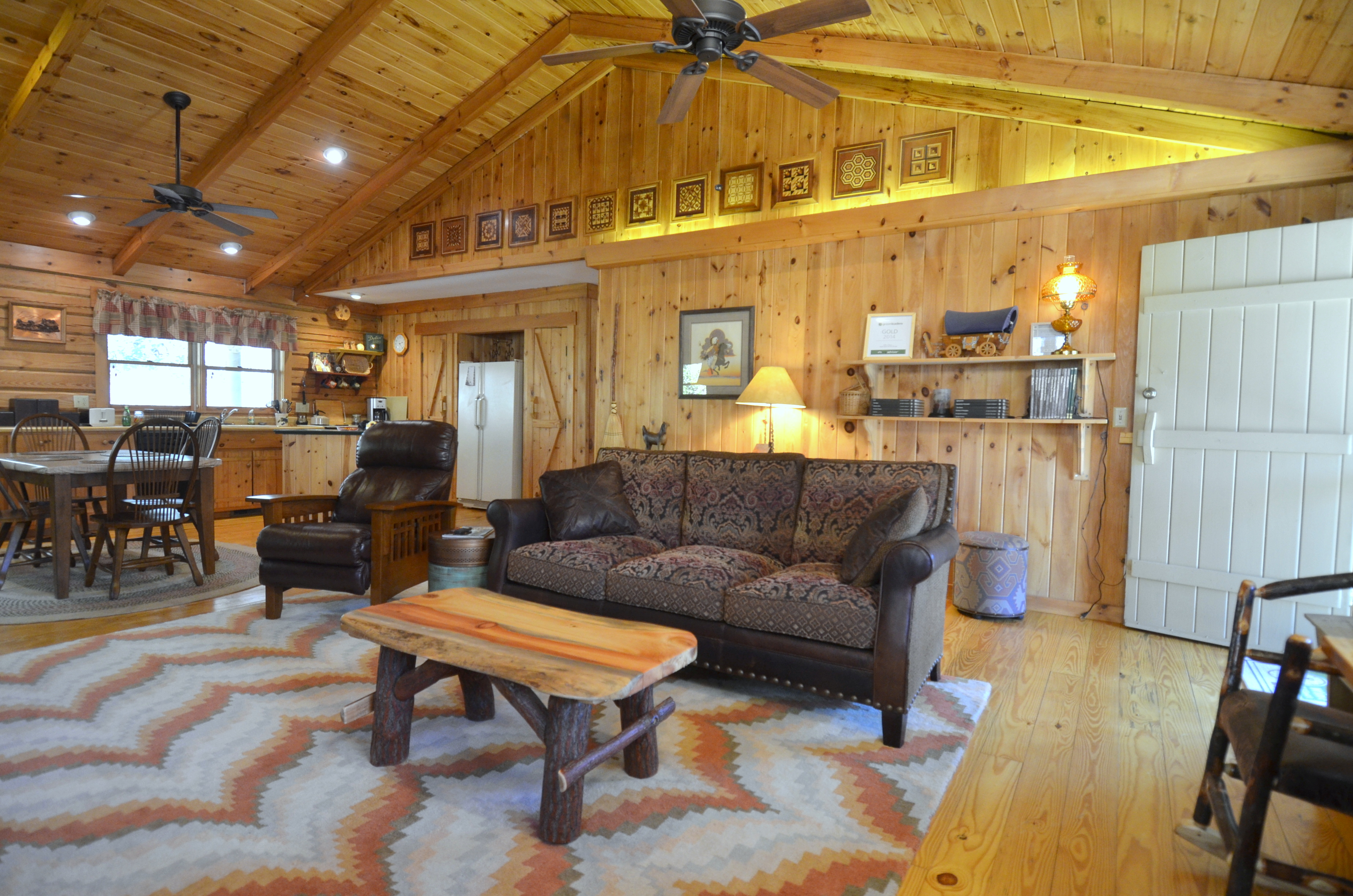 and ga bear in friendly fisherman cabin rental creek lodge the sleeps cabins pet s at helen